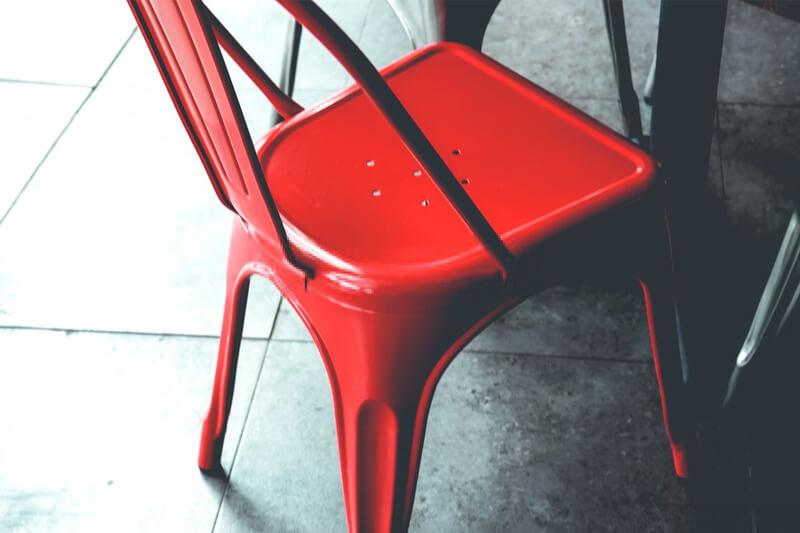 Cafeniz için Tolix Sandalyeleri Tercih Etme Nedenleri