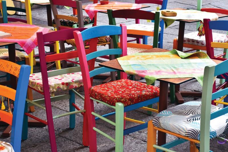 Kumaş Cafe Sandalyeleri Nasıl Temizlenir?